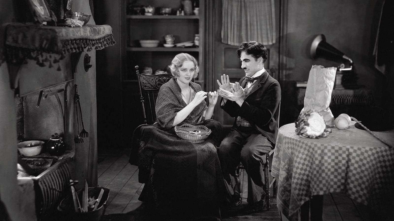Кадры из фильма Огни большого города City Lights 1931