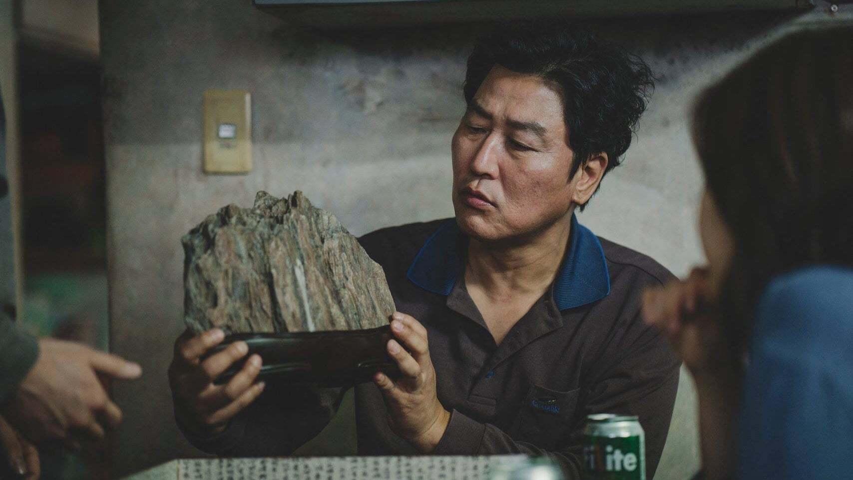 Кадры из фильма Паразиты Gisaengchung 2019